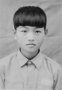 施金輝國小時期照片